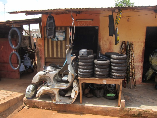 Moto tire store
