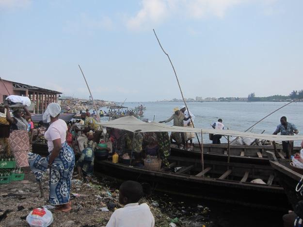 Dantokpa Market – Boats Arrive